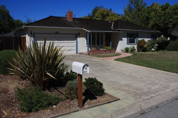 "The Los Altos Historical Commission voted unanimously Monday night to designate Steve Job's childhood home a ""historic resource,"" meaning any ..."