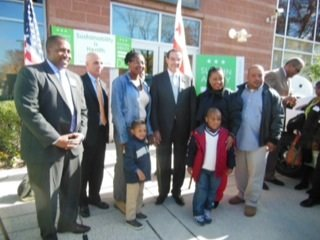 From left: Keith Anderson; Dr. Stephen Teach; unidentified woman and child, Mayor Vincent C. Gray, who unveiled his Sustainable DC Plan; Ain Grant, Reginald Grant; and 6-year-old Ian Grant, who suffers from asthma.