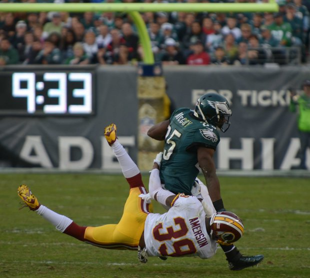 Washington Redskins free safety David Amerson brings down Eagles running back LeSean McCoy in the 3rd quarter.