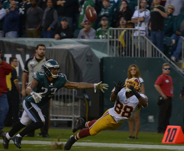 Washington Redskins wide receiver Pierre Garcon couldn't make the catch over Philadelphia free safety Patrick Chung in the 4th quarter.