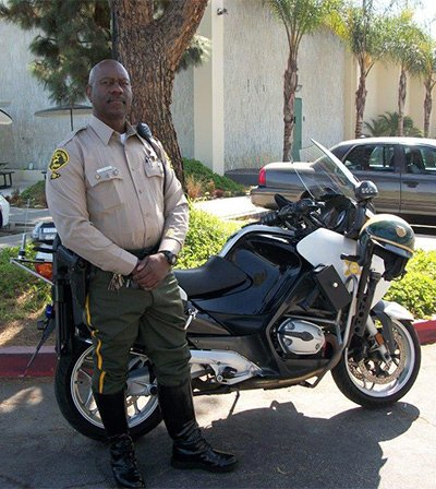 deputy sheriff elton r simmons receives officer of the month award