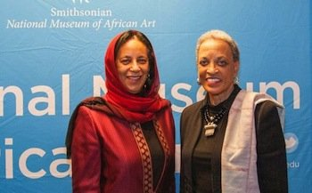 Hunaina Sultan Al-Mughairy (left), ambassador of the Sultanate of Oman to the U.S., and Johnnetta B. Cole, director of the National Museum of African Art (Jessica Suwaroff/Smithsonian National Museum of African Art)