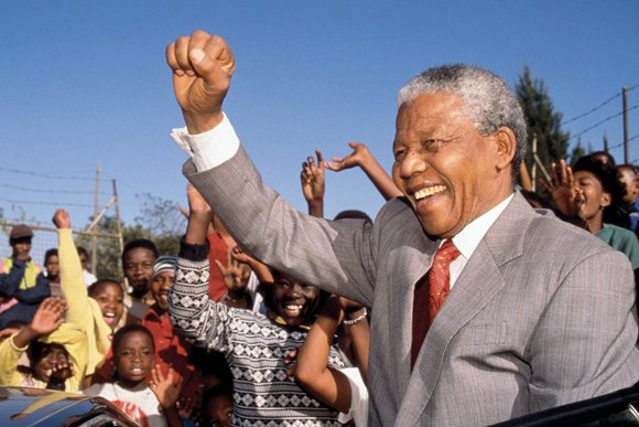(CNN) -- Word of Nelson Mandela's death spread quickly across the United States, bringing with it a mix of reverence ...