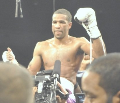 Lamont Peterson won a unanimous decision over Dierry Jean to retain his IBF junior welterweight title at the D.C. Armory on Jan. 25.