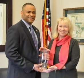 Rep. Marc Veasey (TX-33) was awarded the 2013 Leadership Award by the Century Council, an independent nonprofit organization, this week.