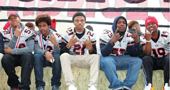When the 2013 Texas High School Football season got underway, few people thought that the Cedar Hill Longhorns football team ...