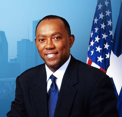 State Representative Sylvester Turner has made it official. He is throwing his hat in the ring for the third time ...