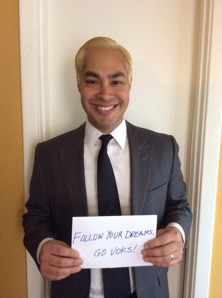 San Antonio Mayor Castro Goes Blond To Support Hs Team