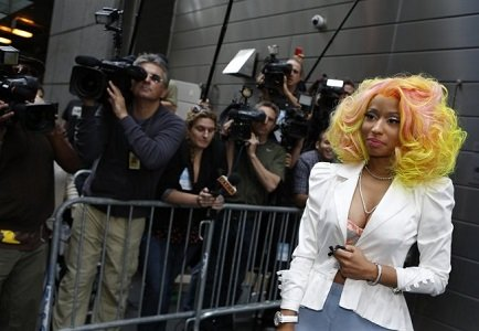 """A hair stylist is accusing former """"American Idol"""" judge and rapper Nicki Minaj of wigging out on a deal."""