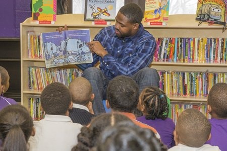 Baltimore Ravens Wide Receiver Torrey Smith partnered with Scholastic Book Fairs to transform a room at Dickey Hill Elementary/Middle School ...