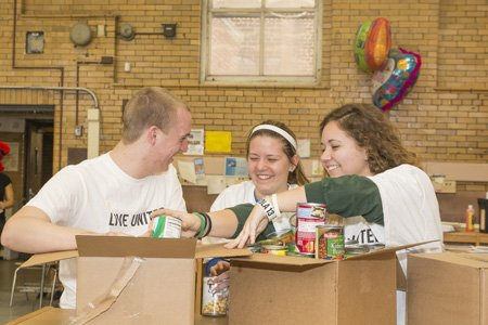 This month 30 college students from across the nation are donating their spring break to help families facing poverty in ...