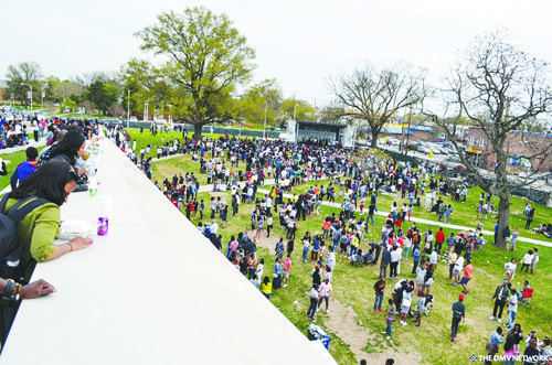 Thousands of people celebrated Earth Day during an event that featured more than two dozen hip-hop and R&B artists last ...
