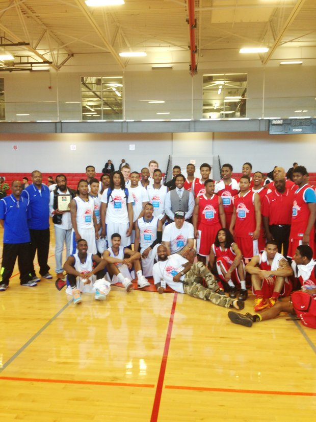 The 4th Annual Chicago United Hoops Classic (CUHC) High School Seniors All-Star Game was held this past Saturday at The Salvation Army Ray and Joan Kroc Corps Community Center, 1250 W 119th St.