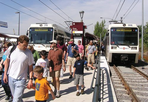 TriMet opens the Interstate Max Yellow Line from the Rose Quarter to the Expo Center on May 1, 2004, attracting thousands of riders.