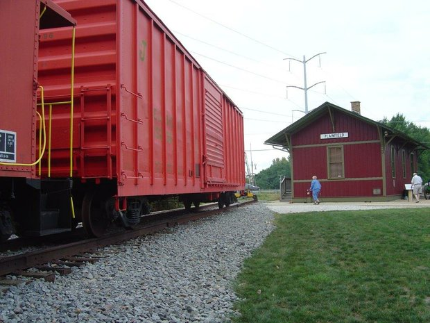 The Plainfield Historical Society will add a 53-foot air mail beacon to its EJ&E train depot site at the corner of Lockport Street and Wood Farm Road in Plainfield.
