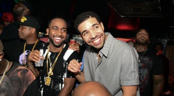 Over the weekend Drizzy Drake was spotted hosting the 1 year anniversary of Aristrocrat Life at The Gatsby in Houston, ...
