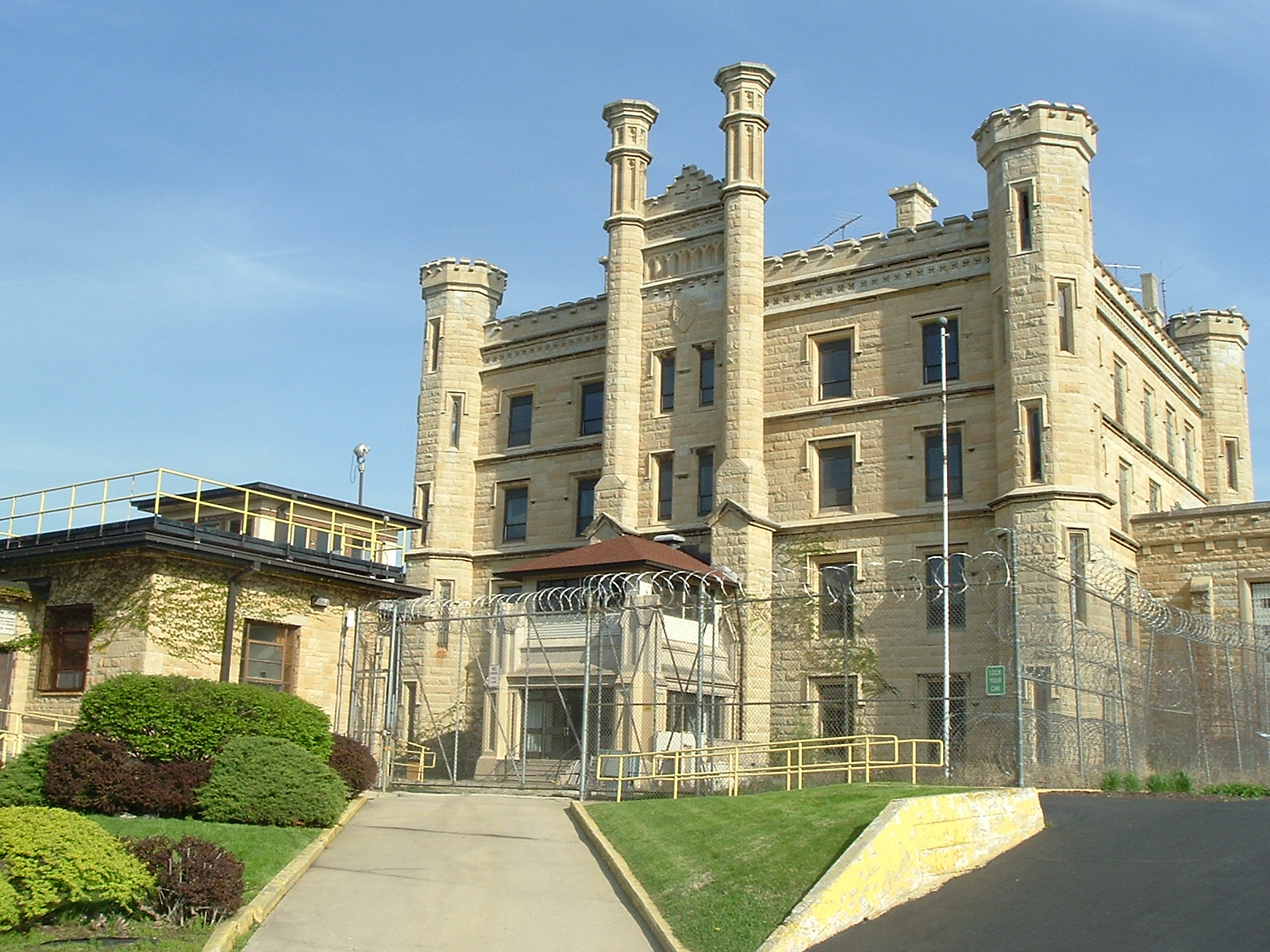 joliet prison open for tours proposal to sell the