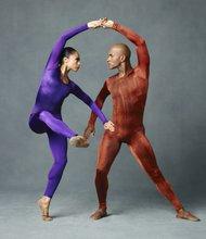 "Alvin Ailey American Dance Theater'sLinda Celeste Sims andGlenn Allen Sims in Hans van Manen's ""Polish Pieces"""