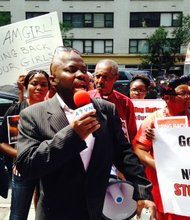 Bukola Oreofe, Director of the Nigerian Democratic Liberty Forum, speaking to the protestors