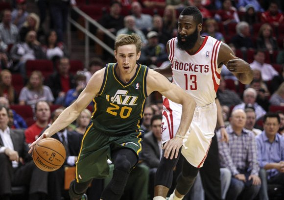 Restricted free agent Gordon Hayward has agreed to a four-year, $63 million maximum contract offer sheet with the Charlotte Hornets, ...