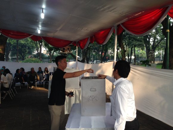 "Millions of Indonesians cast their ballot for their next president in a neck-and-neck race between Joko ""Jokowi"" Widodo, a former ..."