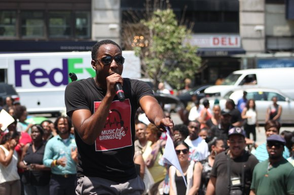 Shaggy performs outside of Brooklyn Borough Hall on Wednesday, July 2 in support of blood awareness.