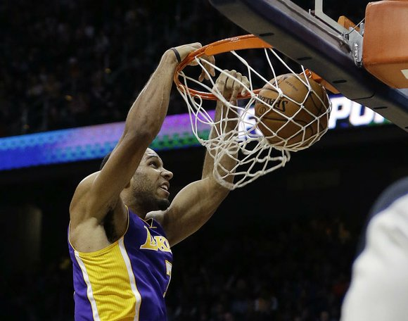 Free-agent guard Xavier Henry has reached agreement on a one-year, $1 million contract to return to the Los Angeles Lakers, ...