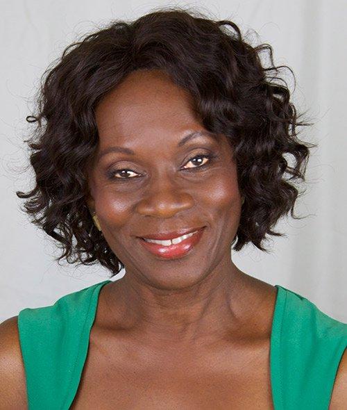 Aesthetician Rosaline Lowe closes shop, opens skinversity.com