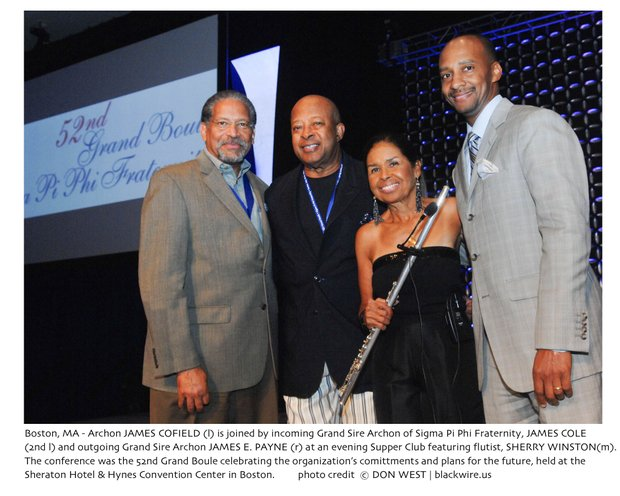 Archon JAMES COFIELD (l) is joined by incoming Grand Sire Archon of Sigma Pi Phi Fraternity, JAMES COLE (2nd l) and outgoing Grand Sire Archon JAMES E. PAYNE (r) at an evening Supper Club featuring flutist, SHERRY WINSTON(m). The conference was the 52nd Grand Boule celebrating the organization's comittments and plans for the future, held at the Sheraton Hotel & Hynes Convention Center in Boston.