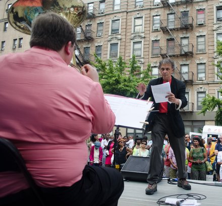 Jon Deak conducting members of the New York Philharmonic as they play pieces by young New Yorkers. #HarlemWeek (08/17/2014)