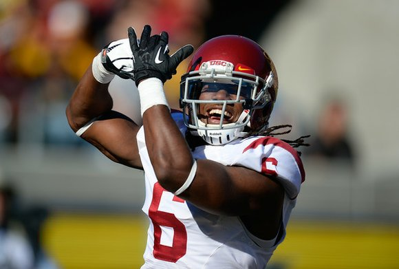 USC football senior cornerback Josh Shaw admitted Wednesday he fabricated a story about injuring his ankles by leaping from a ...