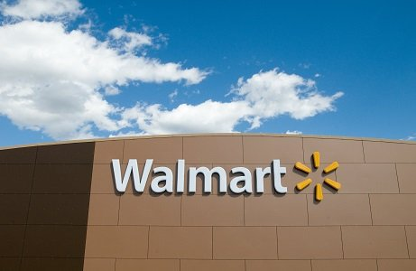Wal-Mart Stores is getting into the health insurance business, teaming with an agent to offer customers the chance to compare ...