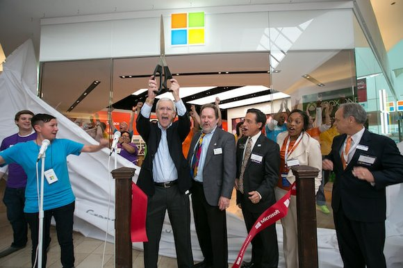 Microsoft opened its newest retail store in the Houston area today at Baybrook Mall in Friendswood, TX. The new location ...
