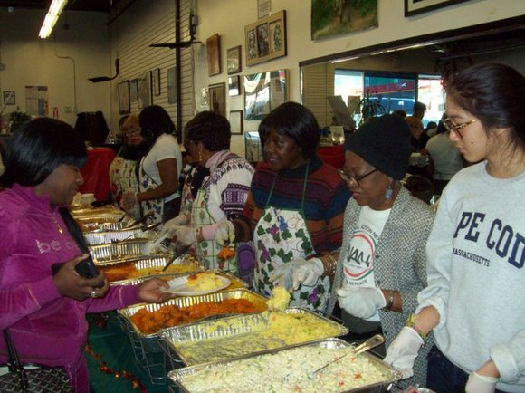 Several churches and organizations are giving away free Thanksgiving Day meals.