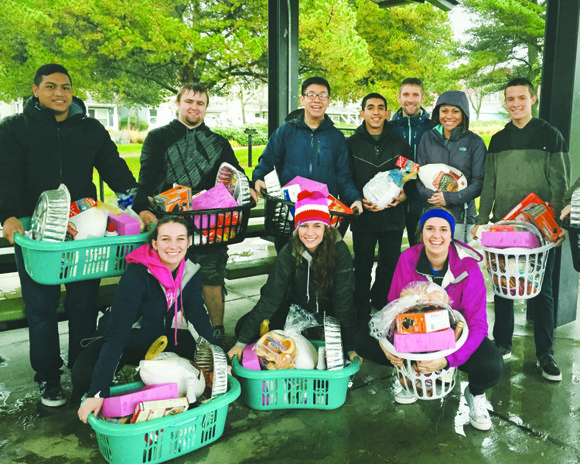 University of Portland students brightened the homes of 175 north Portland families in need during the Thanksgiving holiday. Residence hall ...