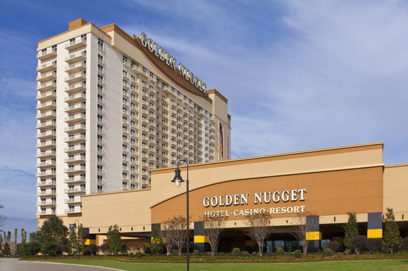 Golden Nugget Lake Charles hosted a ribbon cutting ceremony today to celebrate its grand opening.