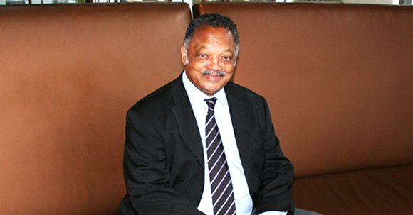 "Jesse Jackson says it is ""outrageous"" that high-tech firms based in Silicon Valley hire so few women and people of ..."