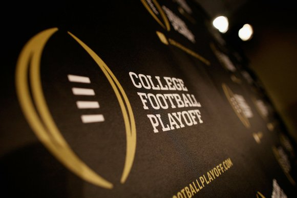 January 1, 2015 - The No. 2 Oregon Ducks defeat the No. 3 Florida State Seminoles 59-20 in the Rose ...