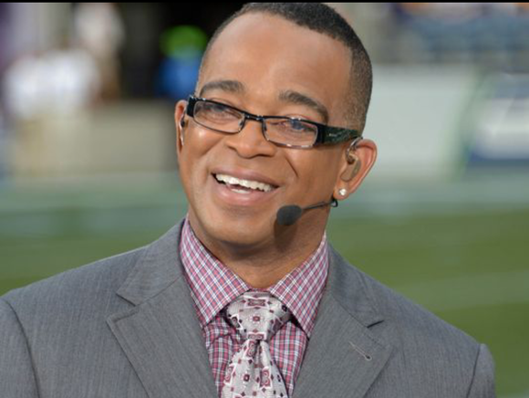 Stuart Scott, a longtime anchor for ESPN's SportsCenter, lost his battle with cancer dying on Sunday morning at the age ...
