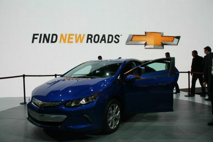 The 2016 Chevrolet Volt's technology and range advancements are complemented by a design that blends sculpted, muscular proportions with aerodynamic efficiency, and an all-new interior with seating for five and improved functionality. Photo by Francis Page Jr