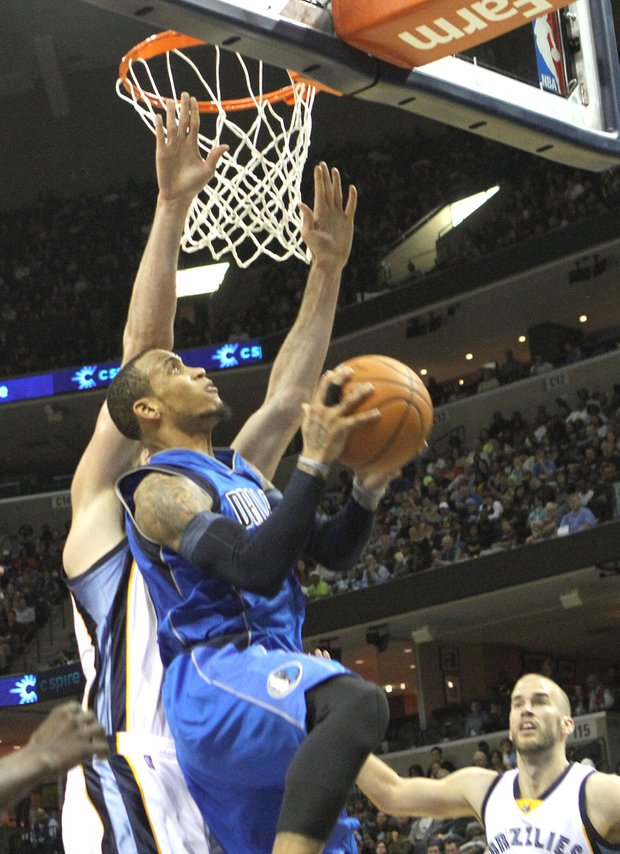 Dallas' Monta Ellis, who was a major problem for the Grizzlies, and could not be stopped by Memphis' Kosta Koufas on this play. (Photo: Warren Roseborough)