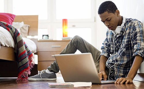 Racial Differences In Teen Online Habits Houston Style Magazine