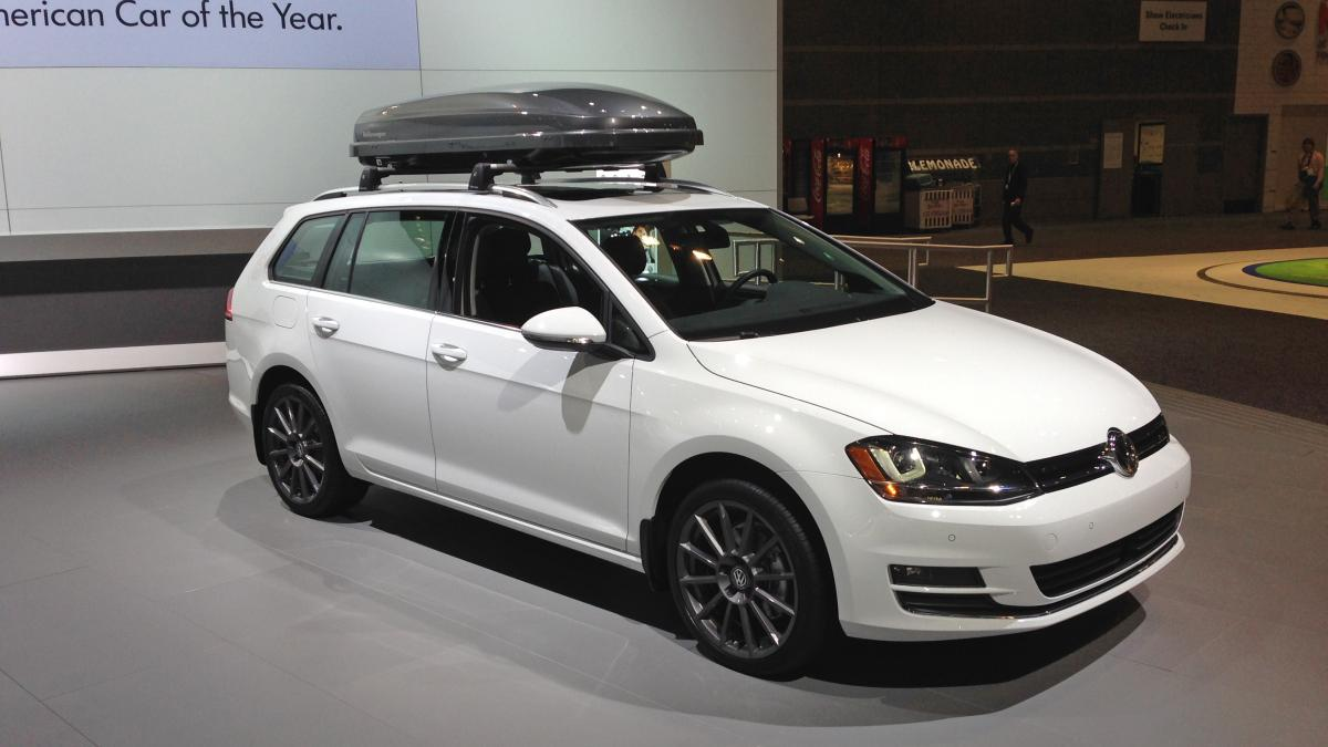 vw announces 2015 golf sportwagen price during chicago auto show houston style magazine. Black Bedroom Furniture Sets. Home Design Ideas