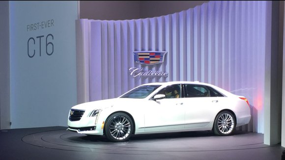 Hosted at the infamous Naval Yards of Brooklyn, Cadillac opened the CT6 World Premiere Event with an opening presentation by ...
