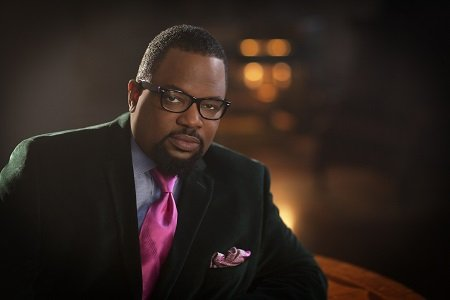 Grammy Award-winning artist Bishop Hezekiah Walker can add the 2015 Torch Award for religion to his list of accomplishments as ...
