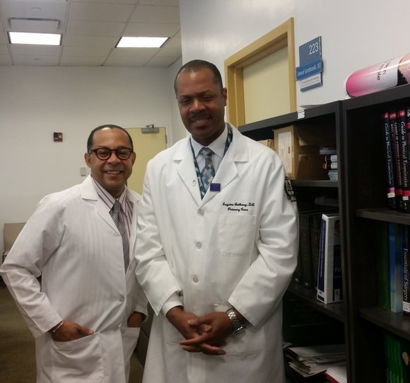 On a recent Thursday morning, across 125th Street from the Apollo Theater in Harlem, pharmacy and medical students from Touro ...