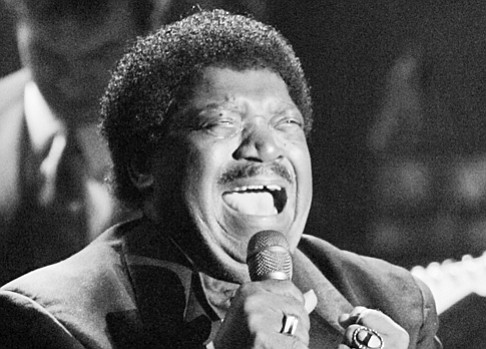 Percy Sledge performs after accepting his award during the Rock and Roll Hall of Fame induction ceremony in 2005 in New York.