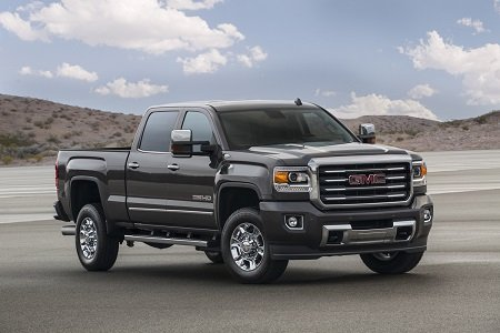 GMC's 2015 Sierra 2500HD is a serious truck. We had the Denali Crew Cab 4X4 trim model and found that ...