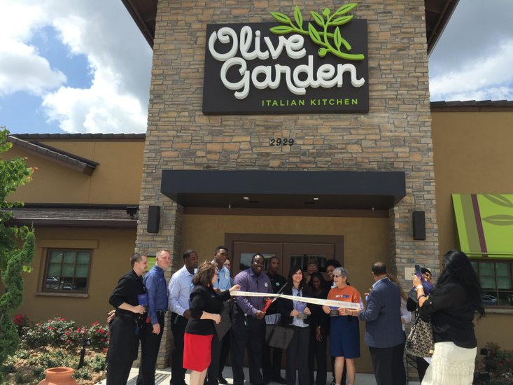 houstons newest olive garden if the first to feature new design and logo - Olive Garden Houston