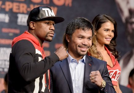 He recently won the most lucrative boxing match in history -- and now Floyd Mayweather is out on his own ...